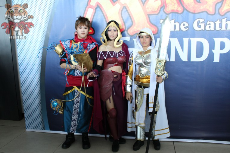 Even cosplayers are present on the event. Cosplaying planeswalkers (from left) Ral Zarek, Liliana Vess, and Elspeth Tirel