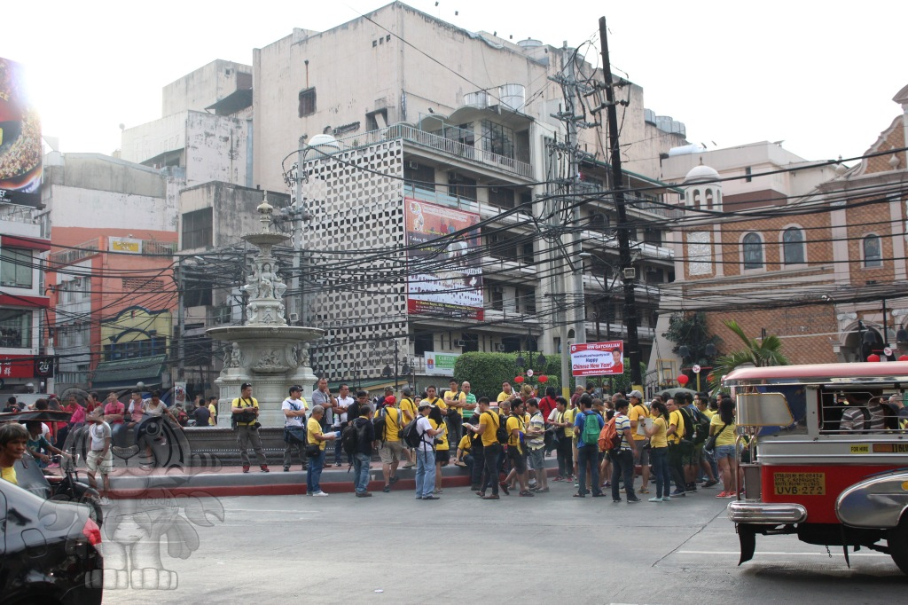 The group of people in yellow appears to be from IamNikonPhilippines. There are also random people with their cameras