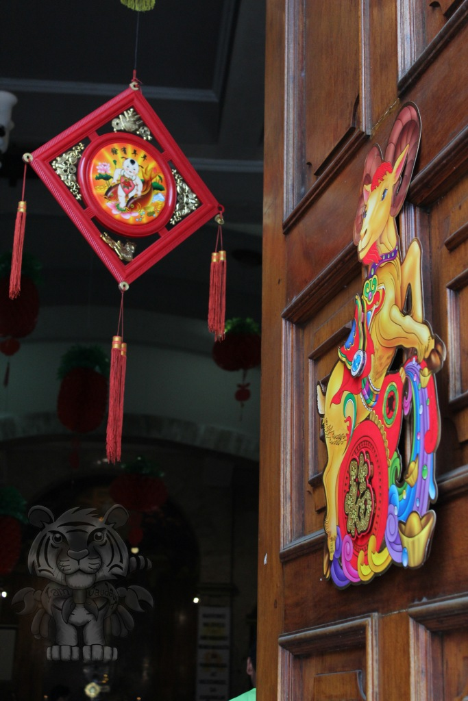 Church door having decors in accordance with the Chinese New Year