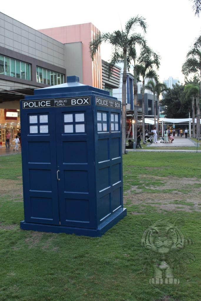 Tardis of Doctor Who.