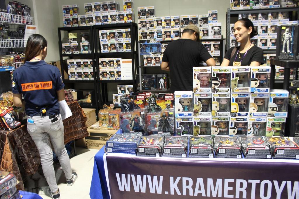 Kramer: Toy Warden Collectibles Store.