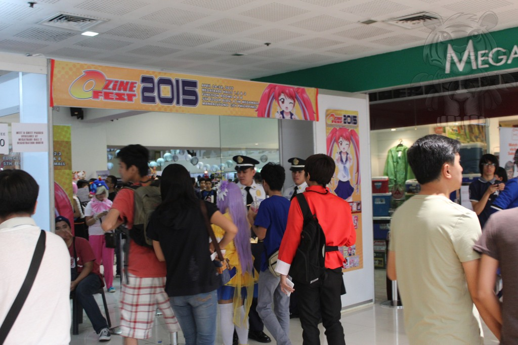 The entrance and ticket booth to get inside Ozine Fest