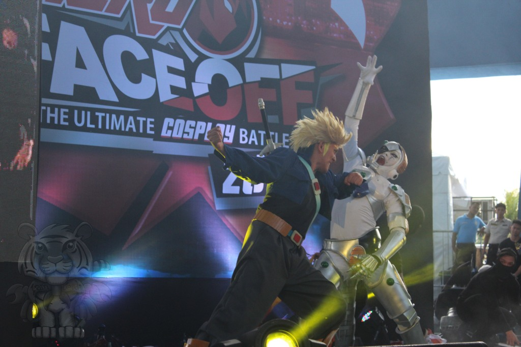 Super Saiyan Trunks beating Frieza.