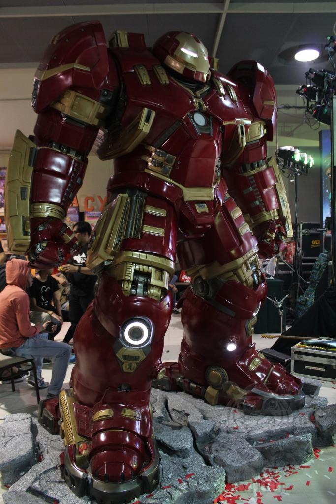 A life-size Hulkbuster