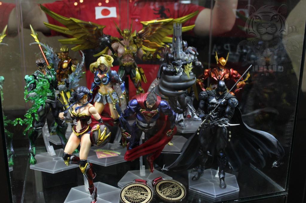 Play Arts Kai Justice League